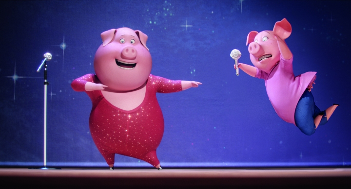 Gunter and Rosita the pigs rehearse in a still from Sing