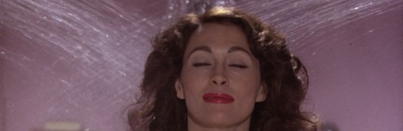 faye dunaway takes a shower in mommie dearest