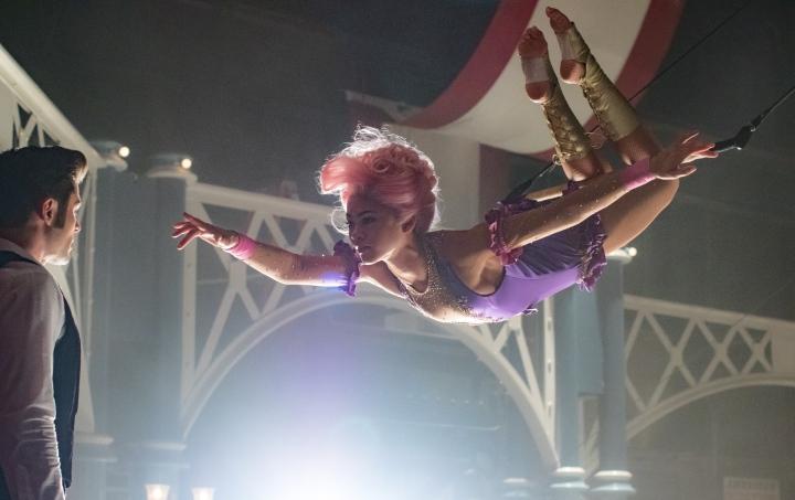 image still zac efron zendaya trapeze greatest showman