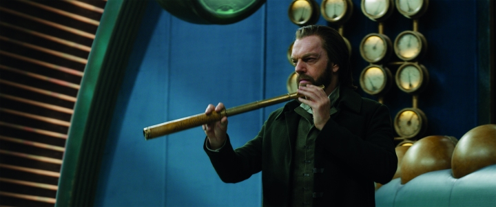 image film mortal engines hugo weaving